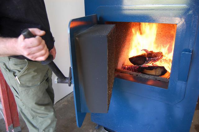 Почему в печке плохо горит каменный уголь. Как правильно топить котел углем — основные правила и рекомендации